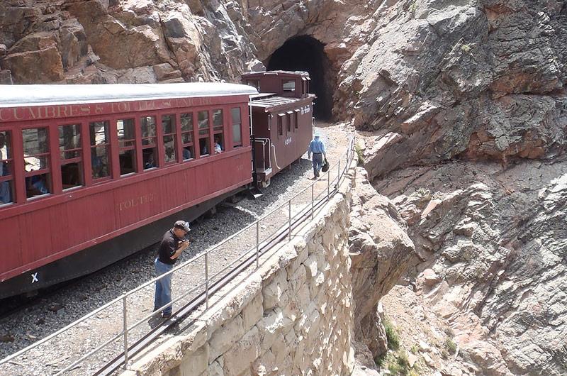 geology-train-slideshow-2